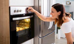 Küchengeräte und Einbauten