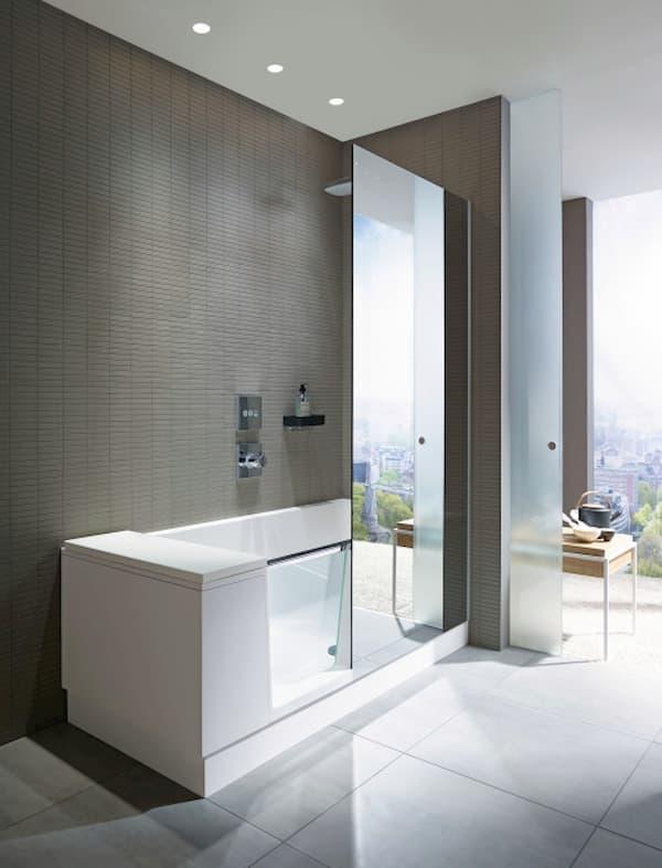 Badewanne mit Tür und Duschwand © Duravit AG