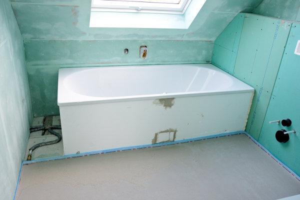 Trockenbau im Bad: Das ist bei Gipskartonplatten z. B. Rigips zu ...