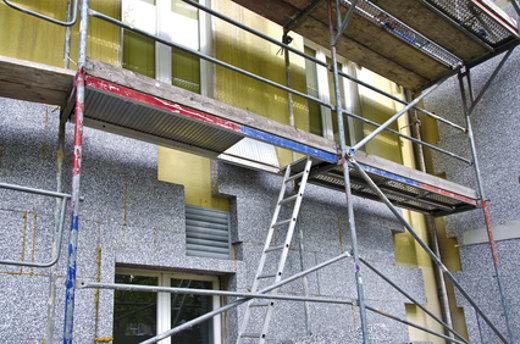 Baugeruest bei der Fassadendaemmung © Tom Bayer, fotolia.com
