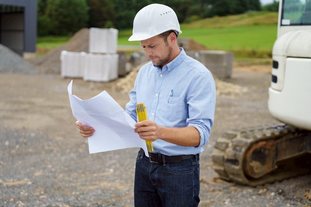 Bauingenieur auf der Baustelle © contrastwerkstatt, stock.adobe.com