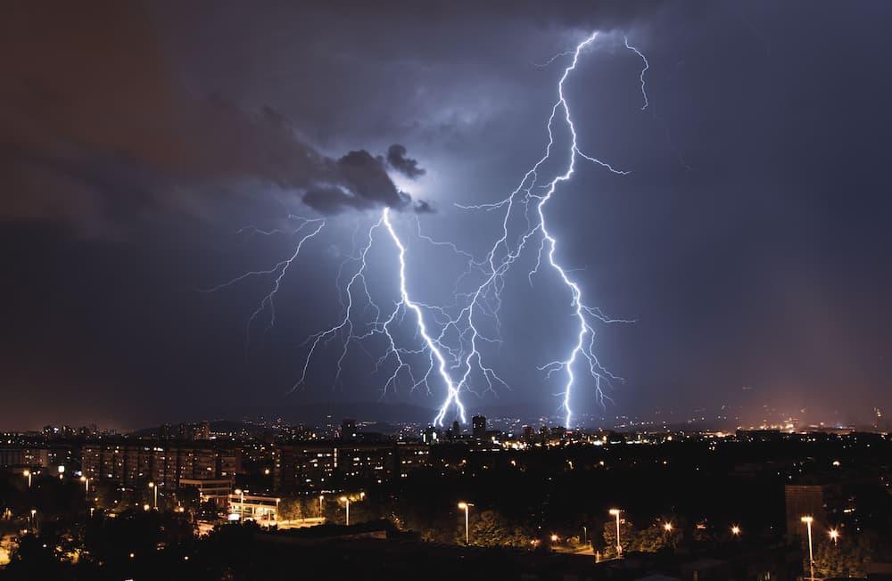 Blitzeinschlag © Bruno, stock.adobe.com