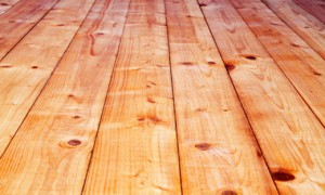 Knarzende Holzdielen