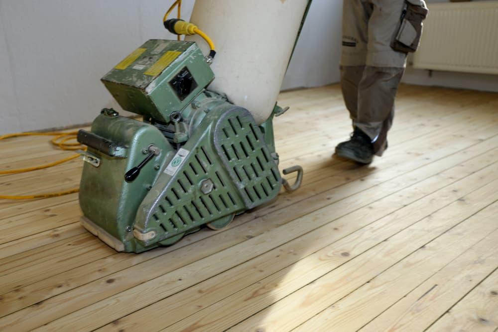 Dielenboden abschleifen © U. J. Alexander , stock.adobe.com