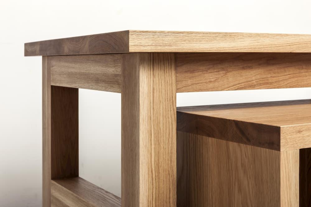 Tisch und Bank aus Eichenholz © dohee, stock.adobe.com