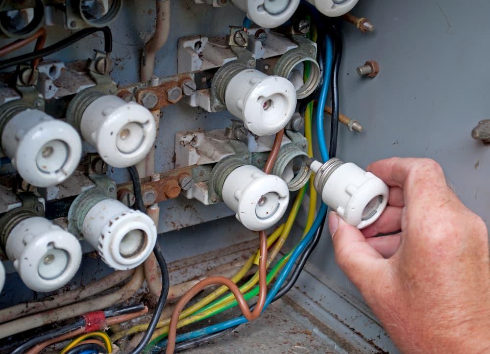 Alte Elektrosicherung © M. Schuppich, stock.adobe.com