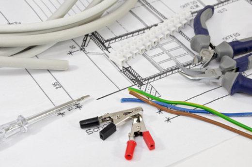 Planung einer Elektroinstallation ©- Marco2811, fotolia.com