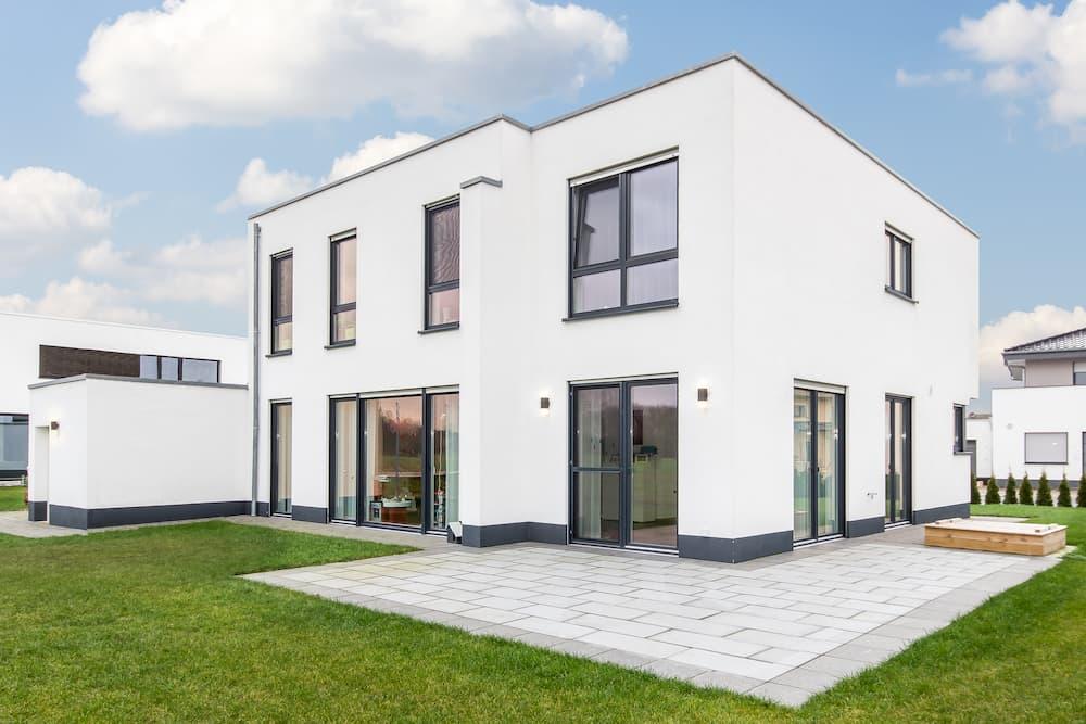 Einfamiliehaus mit Flachdach © Susanne, stock.adobe.com