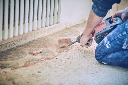 Alte Fliesen Entfernen So Geht Es Leicht Von Der Hand - Fliesen in speis entfernen