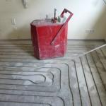 Fußbodenheizung nachträglich in den Estrich einfräsen