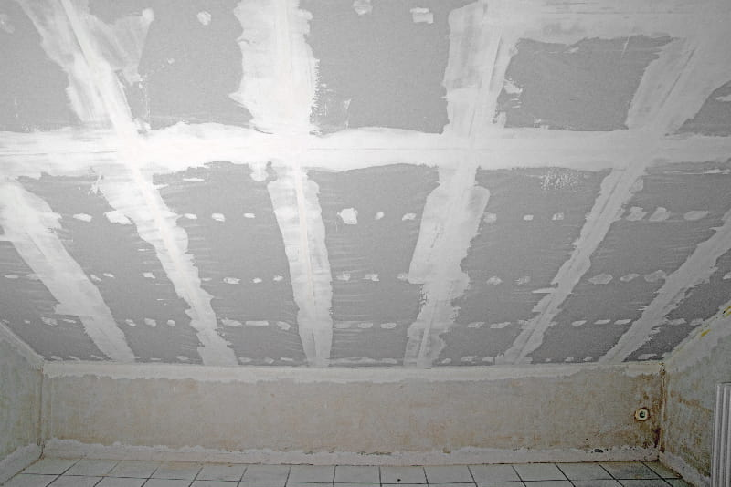 Dachschräge mit Gipskarton © kamasigns, stock.adobe.com