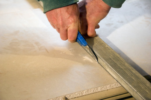 Gipskarton schneiden © ArtHdesign, fotolia.com