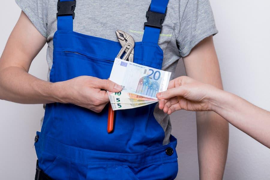 Handwerker Kosten © DDRockstar, stock.adobe.com