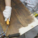 Holzöberflächen lasieren