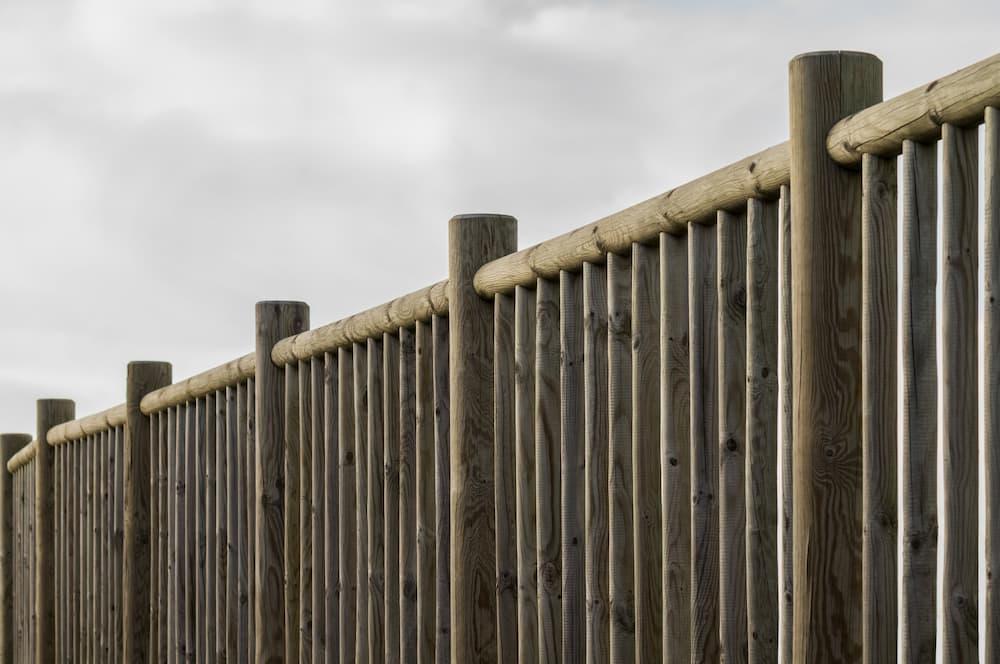 Holzgeländer Kesseldruckimprägniert © fotoschlick, stock.adobe.com