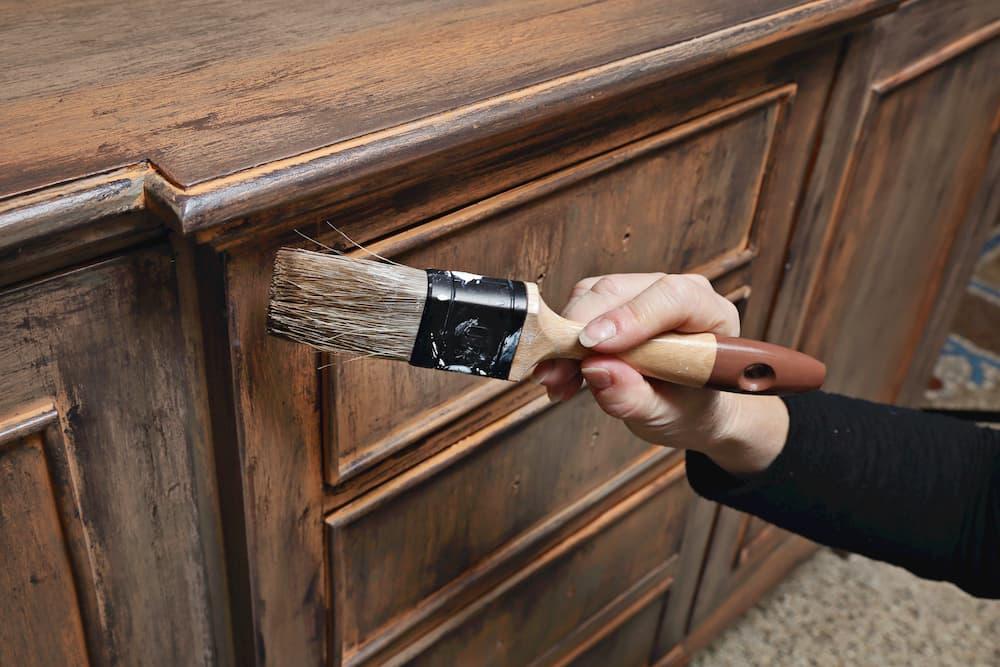 Mit einer Lackierung ist Holz gut geschützt © mariesacha, stock.adobe.com