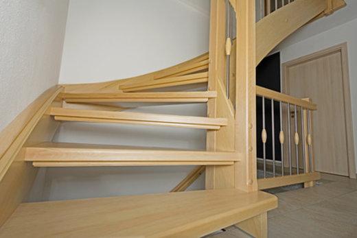Holztreppe © bluedesign, fotolia.com