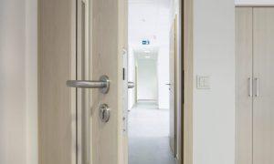 Verzogene Türen reparieren