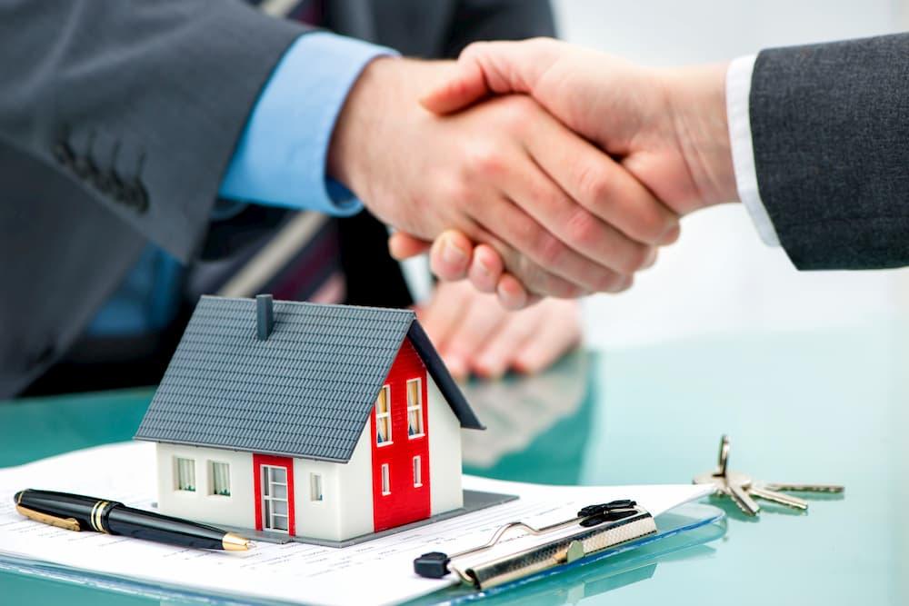 Einigung im Immobilien Verkauf © Alexander Raths, stock.adobe.com
