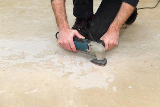 Klebreste vom Fussboden entfernen © VRD, fotolia.com
