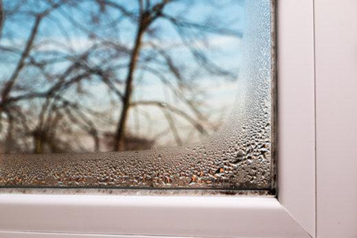 Kondenswasser am Fenster © Gchristo, fotolia.com
