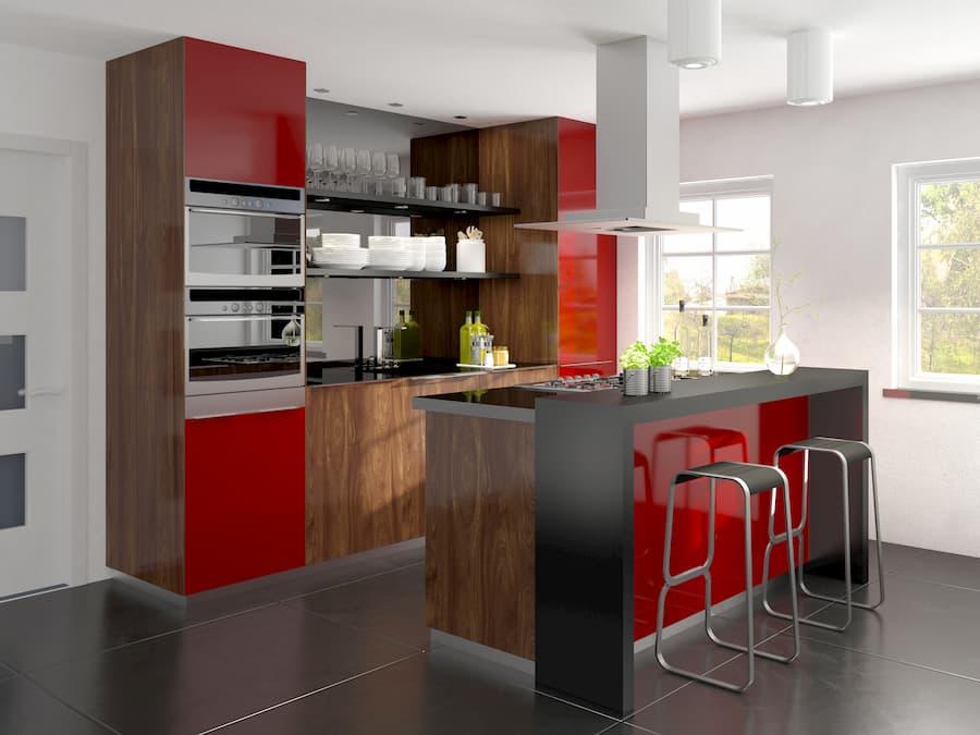 Küche mit lackierten Fronten und Barhockern © depvalley, stock.adobe.com