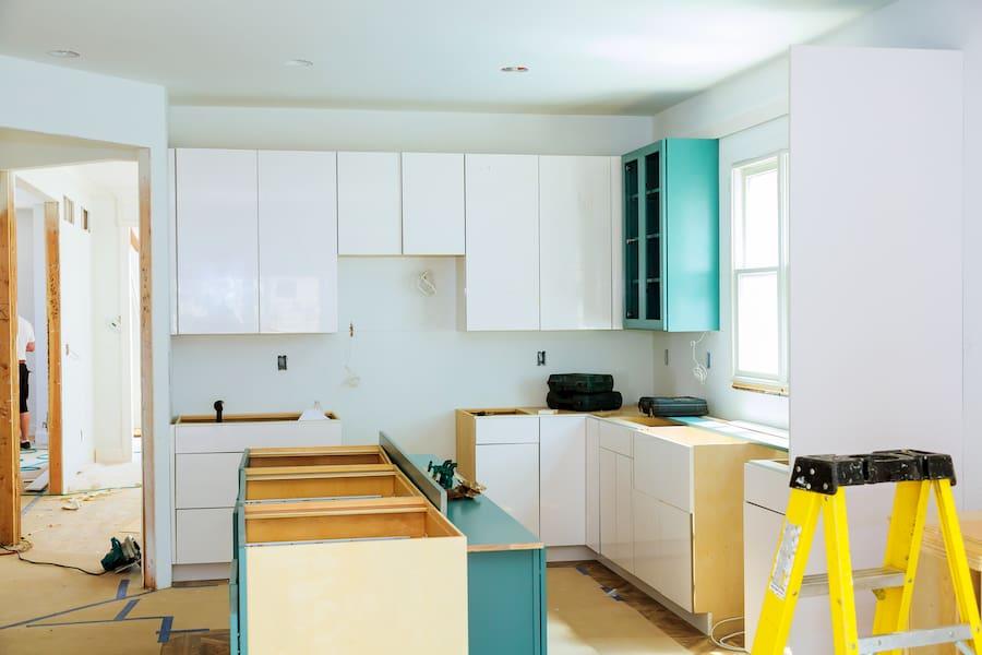 Küchenmontage © ungvar, stock.adobe.com