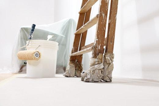 Malerwerkzeug mit Leiter © visivasnc, fotolia.com