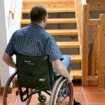 Treppen und Ebenen überwinden