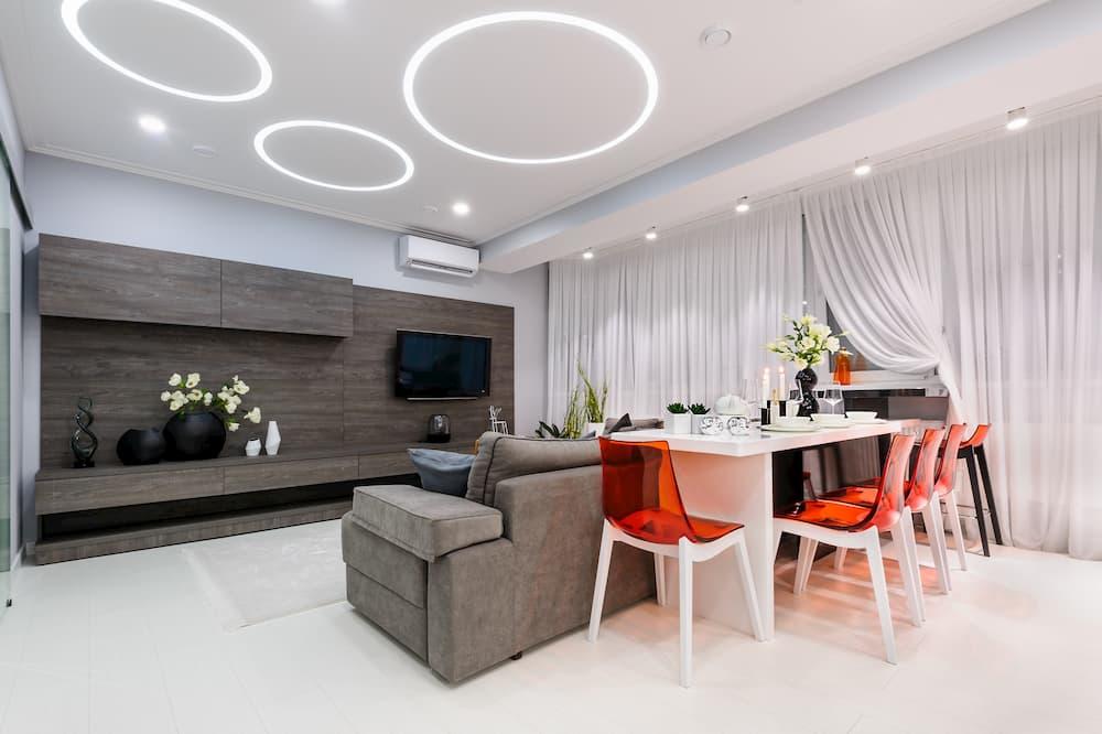 Moderne Beleuchtung im Wohnzimmer © starush, stock.adobe.com
