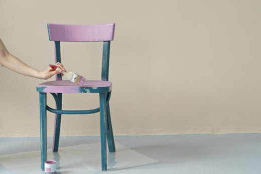 Stuhl lackieren © pauchi, fotolia.com