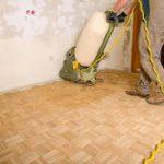 Holzboden abschleifen und neu versiegeln