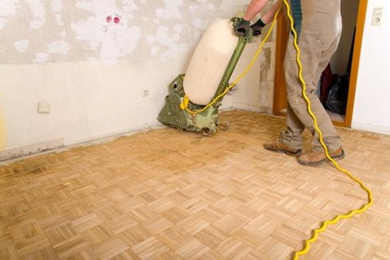 Trennwand Einziehen Ohne Fußboden Parkett Zu Beschädigen ~ Holzboden abschleifen und neu versiegeln