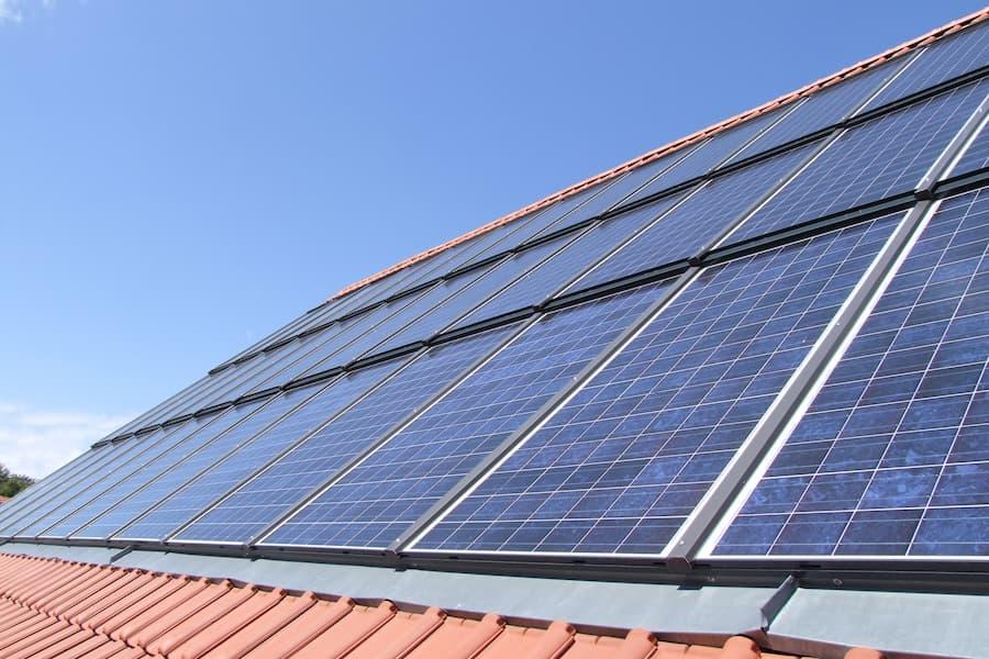 Photovoltaik-Indachanlage © Garteneidechse, stock.adobe.com