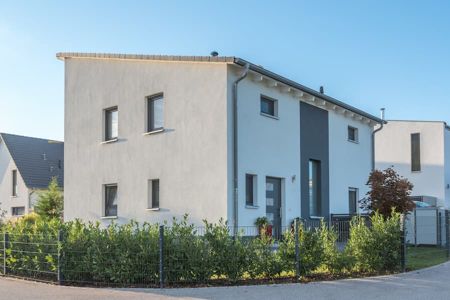 Modernes Haus mit Pultdach © schulzfoto, stock.adobe.com