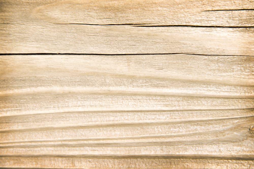 Risse im Holz © Amphawan, stock.adobe.com