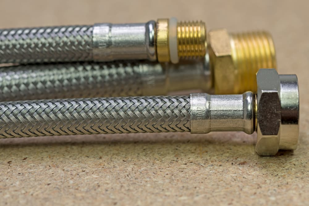Schläuche für Armaturen © M. Schuppich, stock.adobe.com