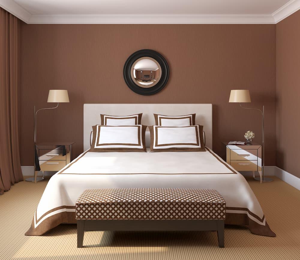 Schlafzimmer mit brauner Wand © poligonchik, stock.adobe.com