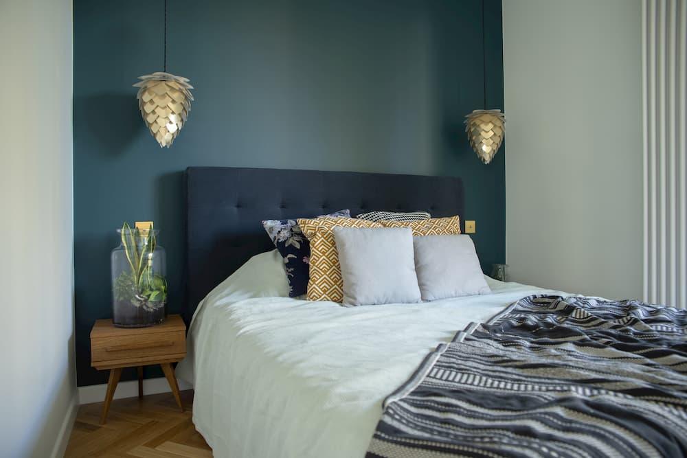 Modern eingerichtetes Schlafzimmer © FollowTheFlow, stock.adobe.com