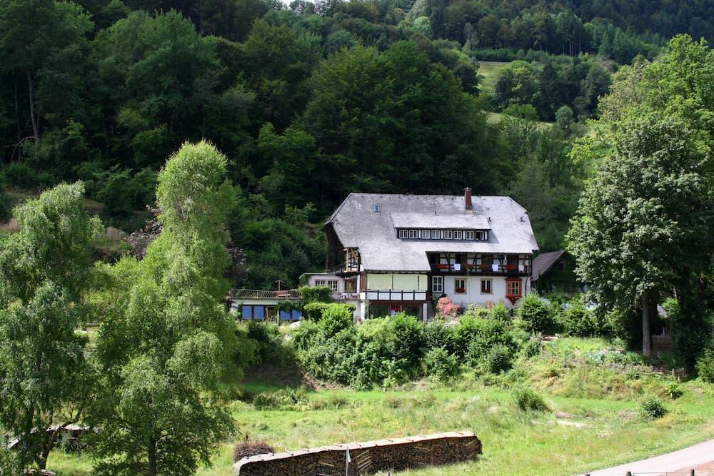Haus mit Schleppdach © stock.adobe.com