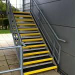 sichere gestaltete Treppe © PlusGrip