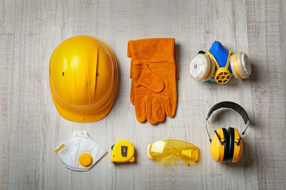 Sicherheitsausrüstung auf der Baustelle © New Afica, stock.adobe.com
