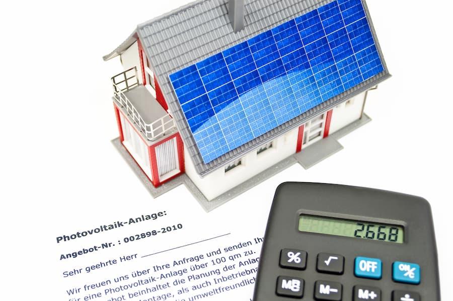 Solaranlage Berechnungen © M. Schuckart, stock.adobe.com