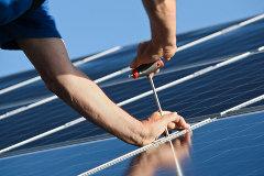 solar-installation-marina-lohrbach-fotolia