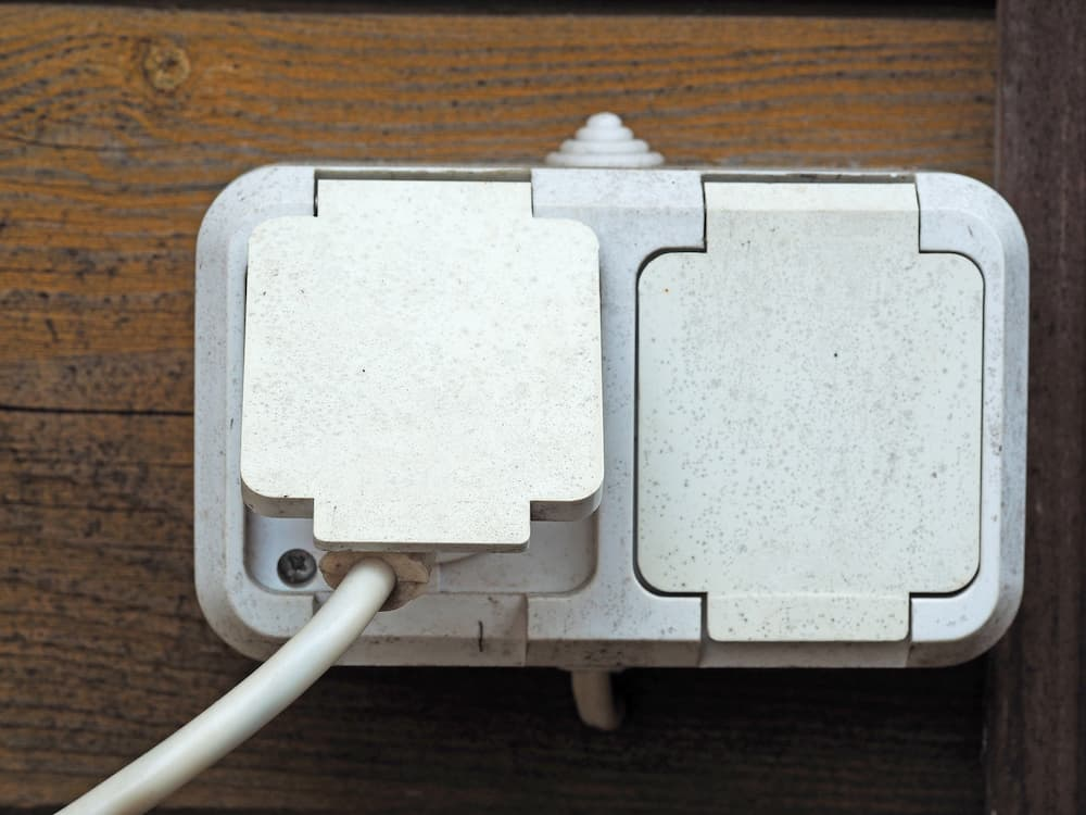 Steckdosen im Außenbereich © Sergey, stock.adobe.com