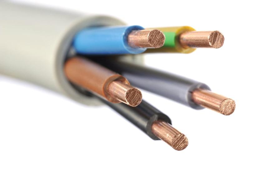 Stromkabel mit fünf Adern © Demarco, stock.adobe.com