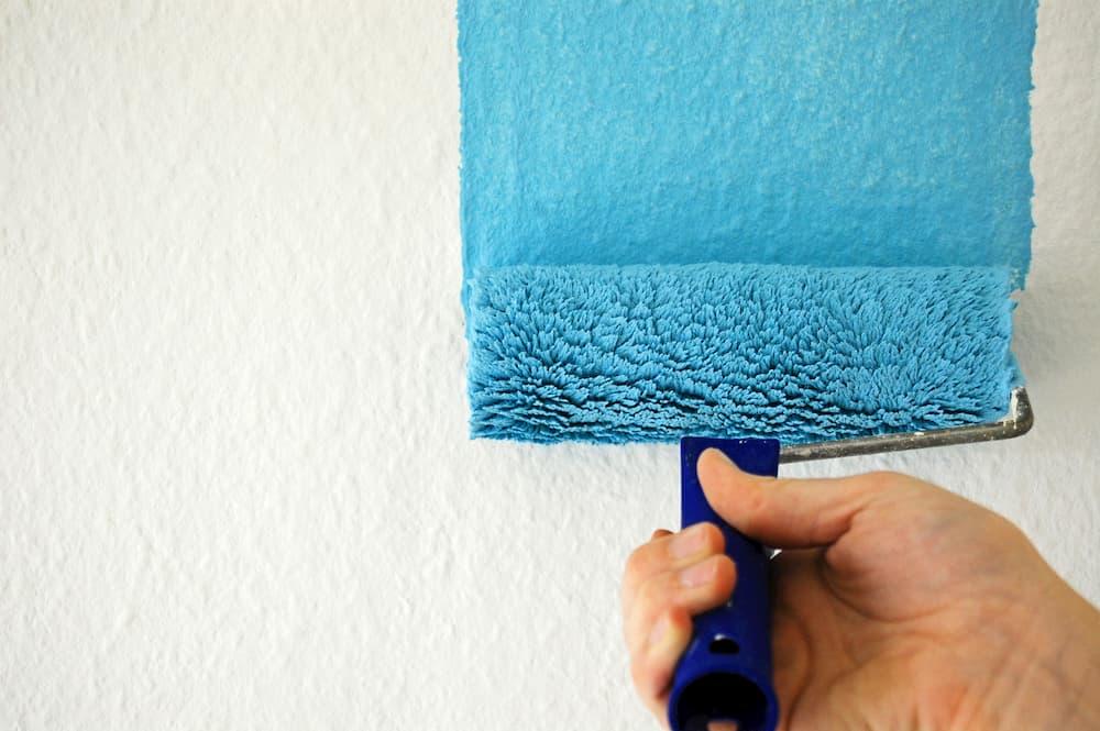 Wandtapete streichen © Florian Kunde, stock.adobe.com