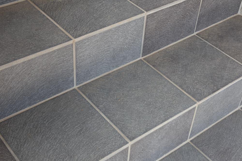 Geflieste Treppe © mykeyruna, stock.adobe.com
