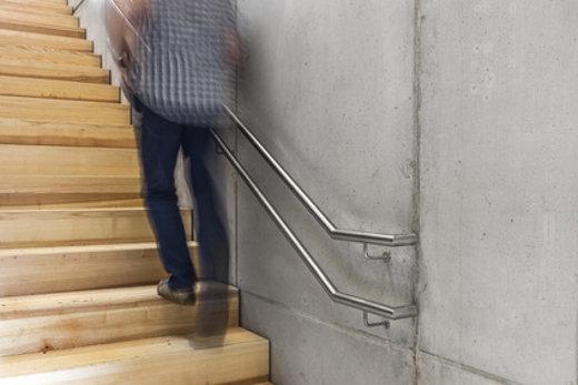Doppelhandlauf Treppe © Matthias Bühner, fotolia.com