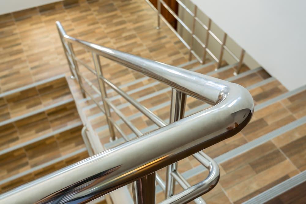 Treppe mit Podest © sutichak, stock.adobe.com
